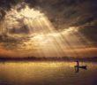 qualche-raggio-di-sole-tra-le-nuvole-scure-by-ipoenk-graphic